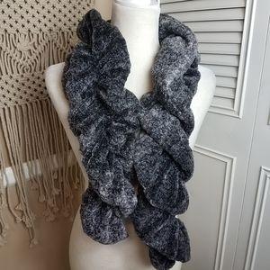 Loft faux fur gray scarf 6x44in